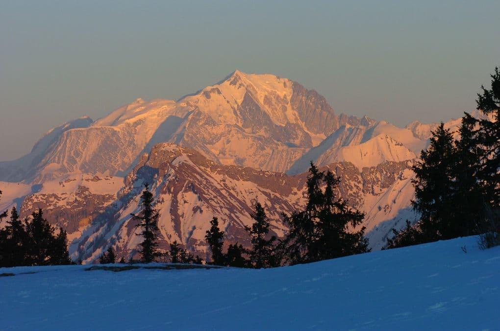montagne neige coucher de soleil